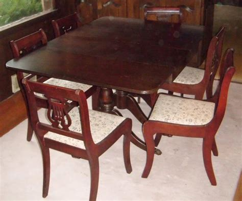 Duncan Phyfe Dining Table Value Duncan Phyfe Dining Set With Lyre Back Chair With Paw Carved At Front Legs Sheraton