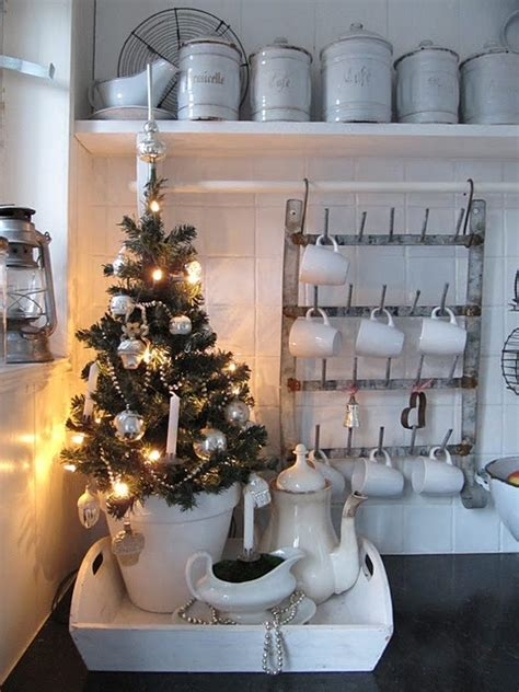best christmas home d 233 cor ideas home decor ideas cozy christmas kitchen ideas digsdigs cozy christmas