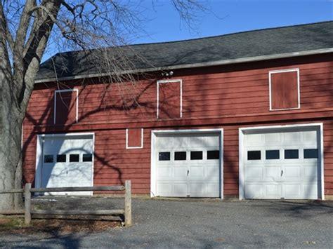 Garage Sales Bridgewater Nj by Melick S Town Farm Barn The Garage Doors Swing Wide Open