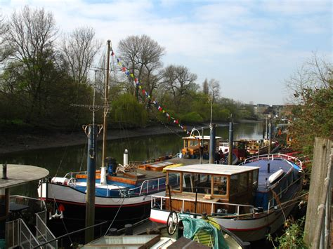 thames river boats to kew grand union canal walk brentford to west drayton