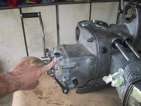 Solved How Much Gear Box Oil Does A Gear Box Hold Fixya
