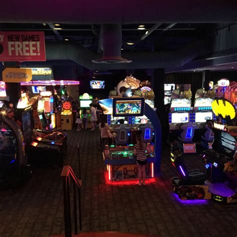 plymouth meeting restaurant dave and buster s plymouth meeting restaurant avis