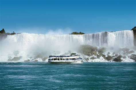 niagara falls boat trip maid of the mist maid of the mist wins national tour association gold award