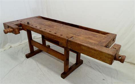 vecchio banco da falegname viti e morse in legno piano