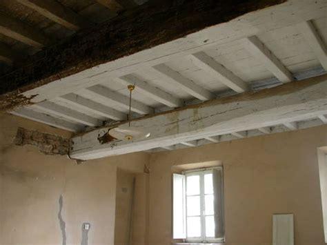 pittura per soffitto pavimento di legno