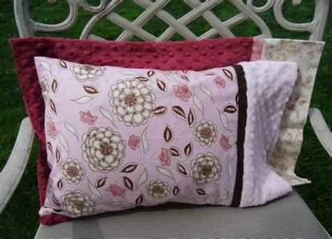 Travel Size Pillow Cases by Free Sewing Pattern Travel Size Pillow