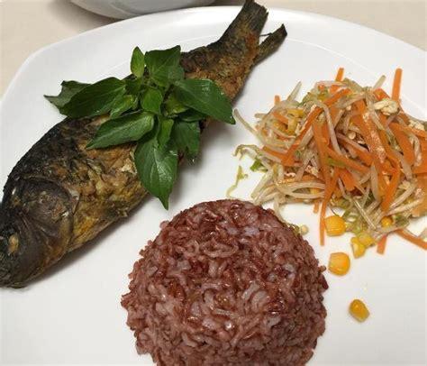 Laris Minyak Ikan 9 oleh oleh makanan khas jakarta paling laris dibeli