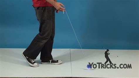 walk the yoyo walk the yoyo trick learn how yoyotricks