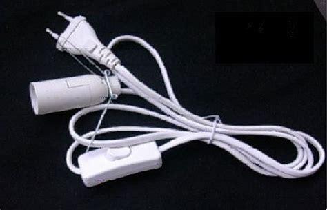 wandle mit kabel und stecker klemmfassung f 252 r salzlen e14 mit 1 5 m kabel wei 223