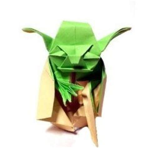 How To Make Origamy - 1000 ideas about origami yoda on wars