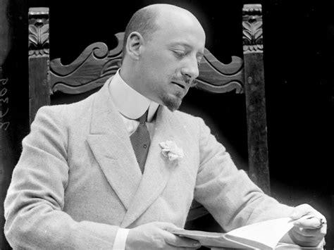 gabriele dannunzio biografia letteratura biografia di gabriele d annunzio
