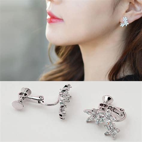 Korean Bracelet Charm Believe Gelang Korea fashion jewelry flower earring zircon leaf clip earrings for wrap ear