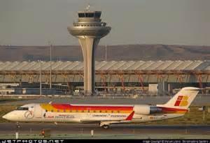 El aeropuerto internacional de barajas en madrid es el m 225 s