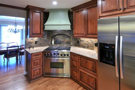 Kitchen Cabinet Heights by A Corner Range Takes Center Stage Traditional Kitchen