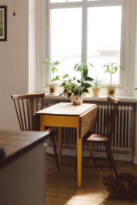 small kitchen table ideas best 25 small kitchen tables ideas on scandi