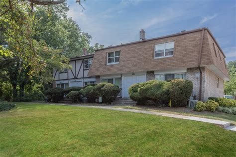 Garden Apartments Springfield Nj by Pineview Gardens Rentals Springfield Nj Apartments