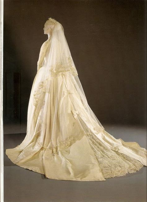 Best 25  Royal wedding dresses ideas on Pinterest   Royal