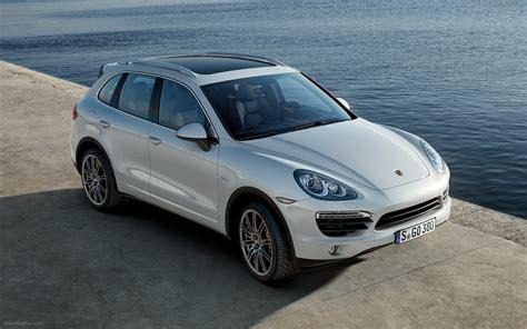 Porsche Cayenne 2011 by Porsche Cayenne 2011 Widescreen Car Wallpaper 03