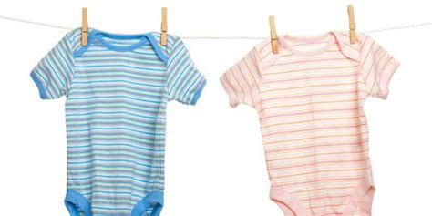 Pakai Baju Nak Dalam cuci baju bayi pakai detergen biasa tak masalah co id