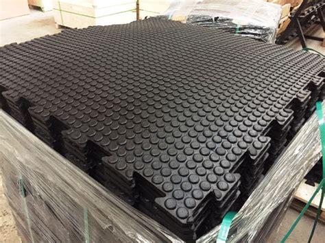 rivestimento in gomma per pavimenti rivestimento per pavimenti 1000x1000x17 mm nero bluegym