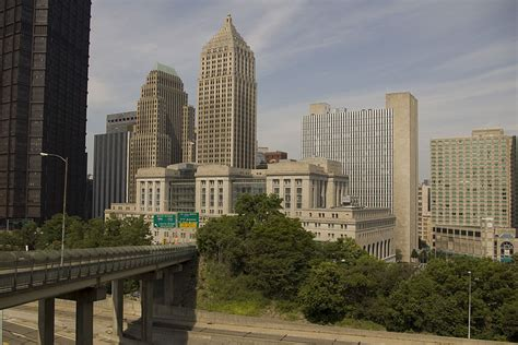 Pittsburgh Structures Sheds by File Downtown Pittsburgh Buildings Jpg
