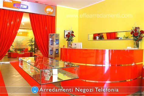 arredamento negozio telefonia arredamenti per negozi telefonia effe arredamenti