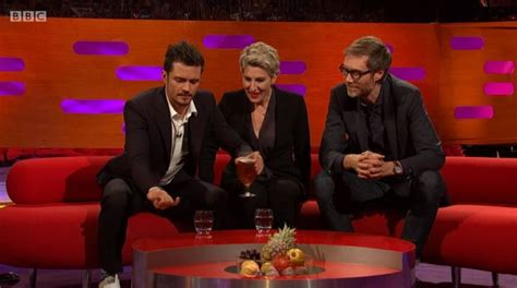 orlando bloom graham norton orlando bloom saves a fly s life from stephen merchant s
