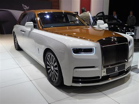 roll royce india rolls royce phantom viii 8th launched in india at rs 9