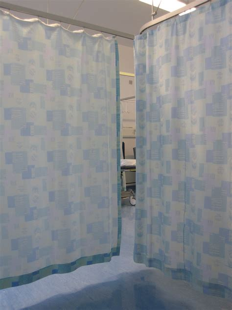 privacy drapes file curtain privacy jpg wikimedia commons