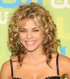 hairstyles for medium length curly hair your beauty 411