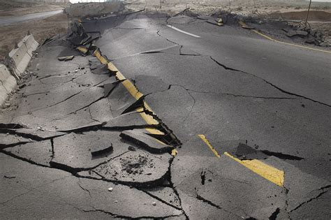 earthquake just now how can rocks predict earthquakes howstuffworks