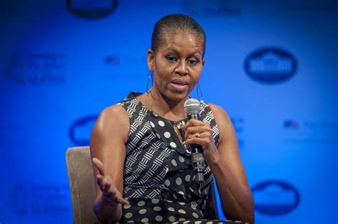 what does michelle obama really look like without her wig michael robinson saboteur365