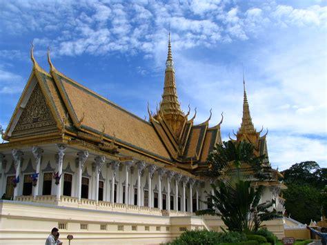 talkkhmer architecture wikipedia file royal palace cambodia 2 by gul791 jpg wikimedia