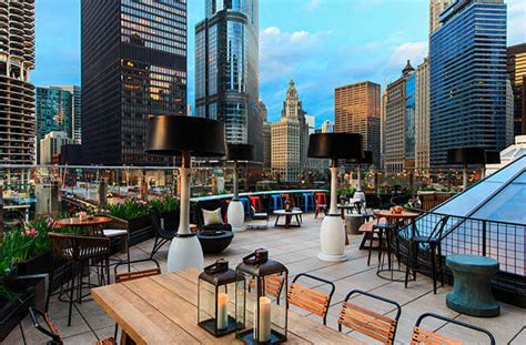 top bars in chicago chicago s best rooftop bars fodors travel guide