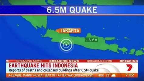 earthquake hits indonesia video the australian