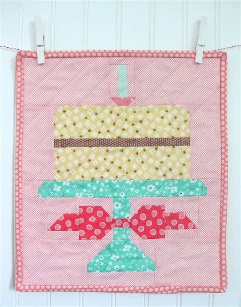 How To Quilt A Square Cake by Quilt Inspiration Free Pattern Day Cupcakes