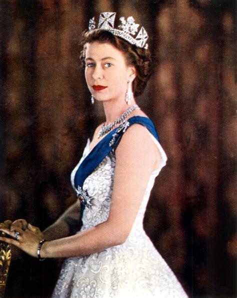 la reina de las 8490600260 las joyas de la reina libertad digital cultura