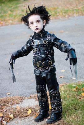 simple  effective edward scissorhands costume