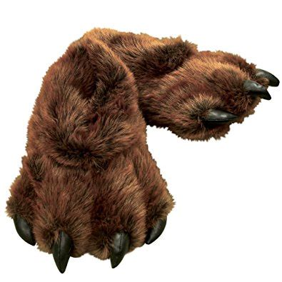 grizzly paw slippers 10 plush slippers 2017 comfy slippers that will make you