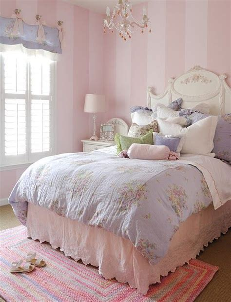 light pink wallpaper for bedrooms consigli utili per una tappezzeria shabby chic