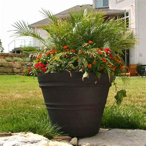 Wholesale Outdoor Planters by Modern Outdoor Planters Wholesale Diy Modern Outdoor