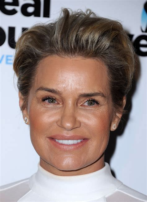 yolanda housewives of beverly hills hairstyle real housewives beverly hills short hair