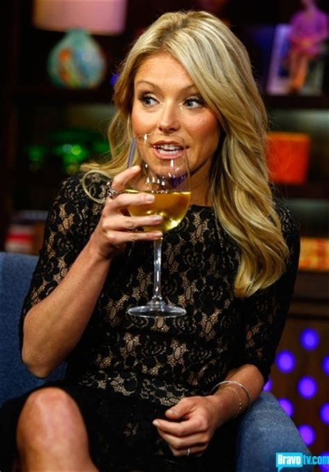 how does kelly ripa get the wave in her hair 34 best images about kelly ripa on pinterest black