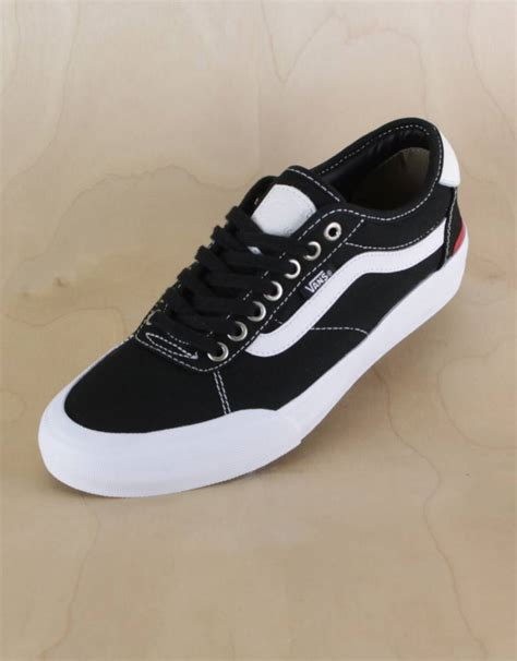 Harga Vans Chima Pro 2 vans chima pro 2 black white the point skate shop