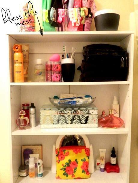 whats in my bathroom sneak peak what s in my bathroom paperblog