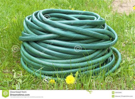 acqua giardino tubo flessibile di giardino per acqua immagine stock