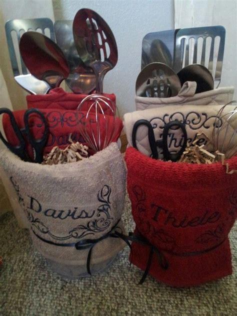 kitchen gift ideas 25 best ideas about kitchen gift baskets on pinterest