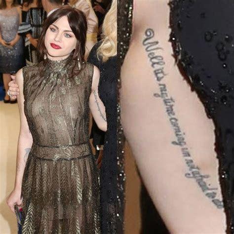 frances bean tattoos frances bean cobain writing bicep style