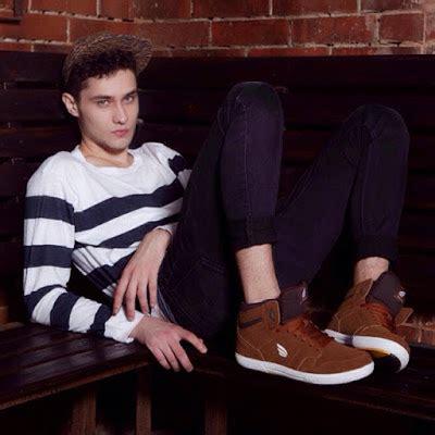 15 merek sepatu cowok dan cewek buatan indonesia asli yang