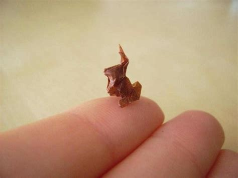 Small Origami - tiny origami figures strain your